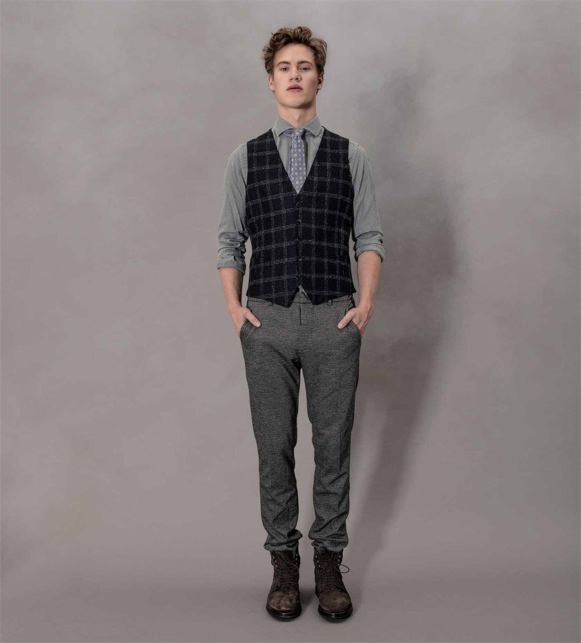 AXEL-lookbook_u41-look5_1.jpg
