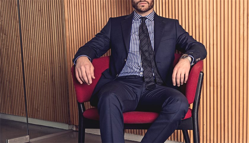 kaufmann_what-to-wear_suit-and-tie_1430x820.jpg
