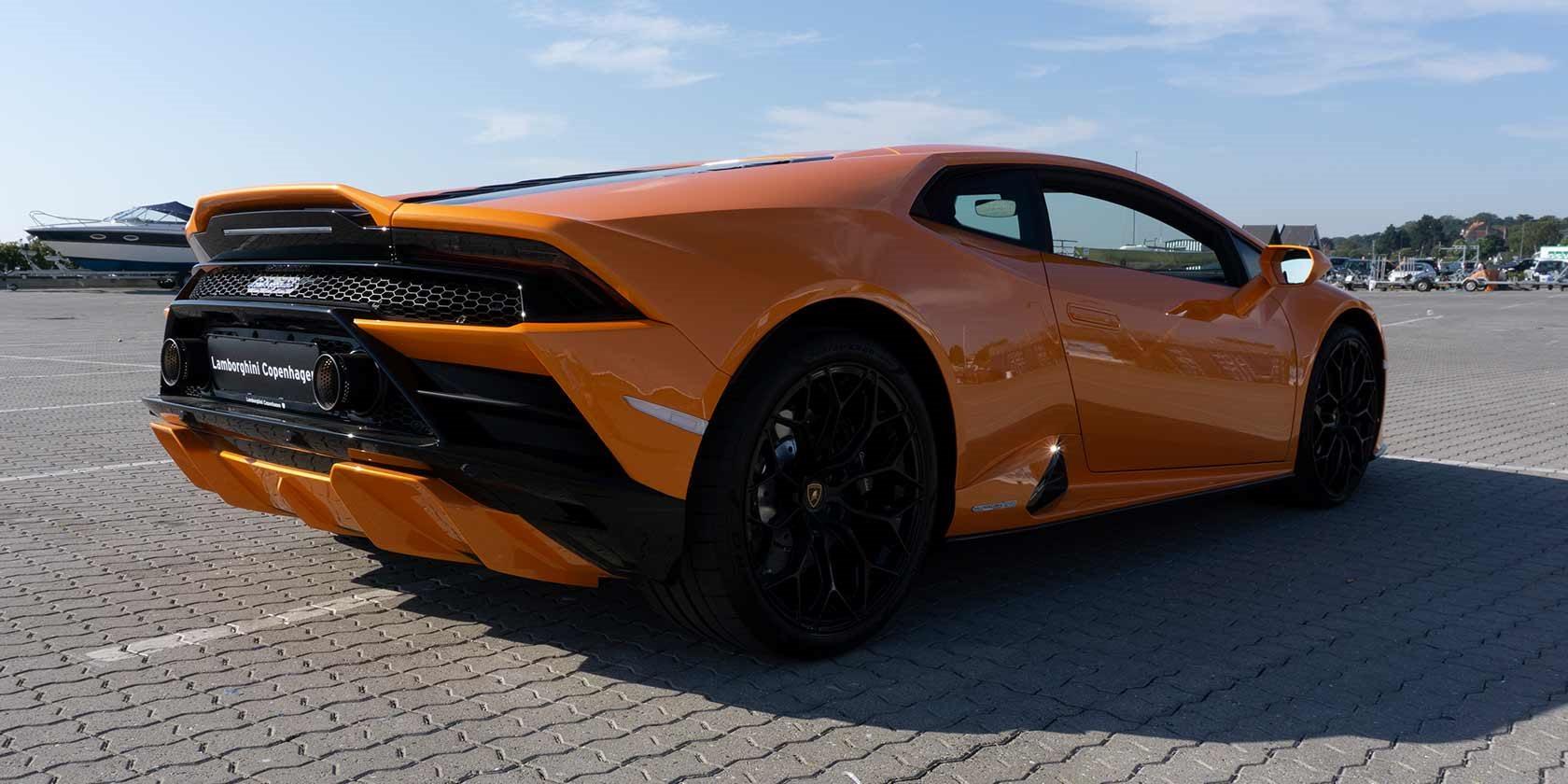 KAUFMANN_1680x840_Lamborghini_thejournal_02.jpg